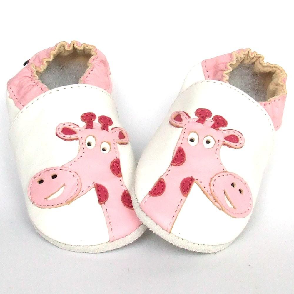 Babyslofjes Babyslofjes leer Giraffe White Pink €15,49