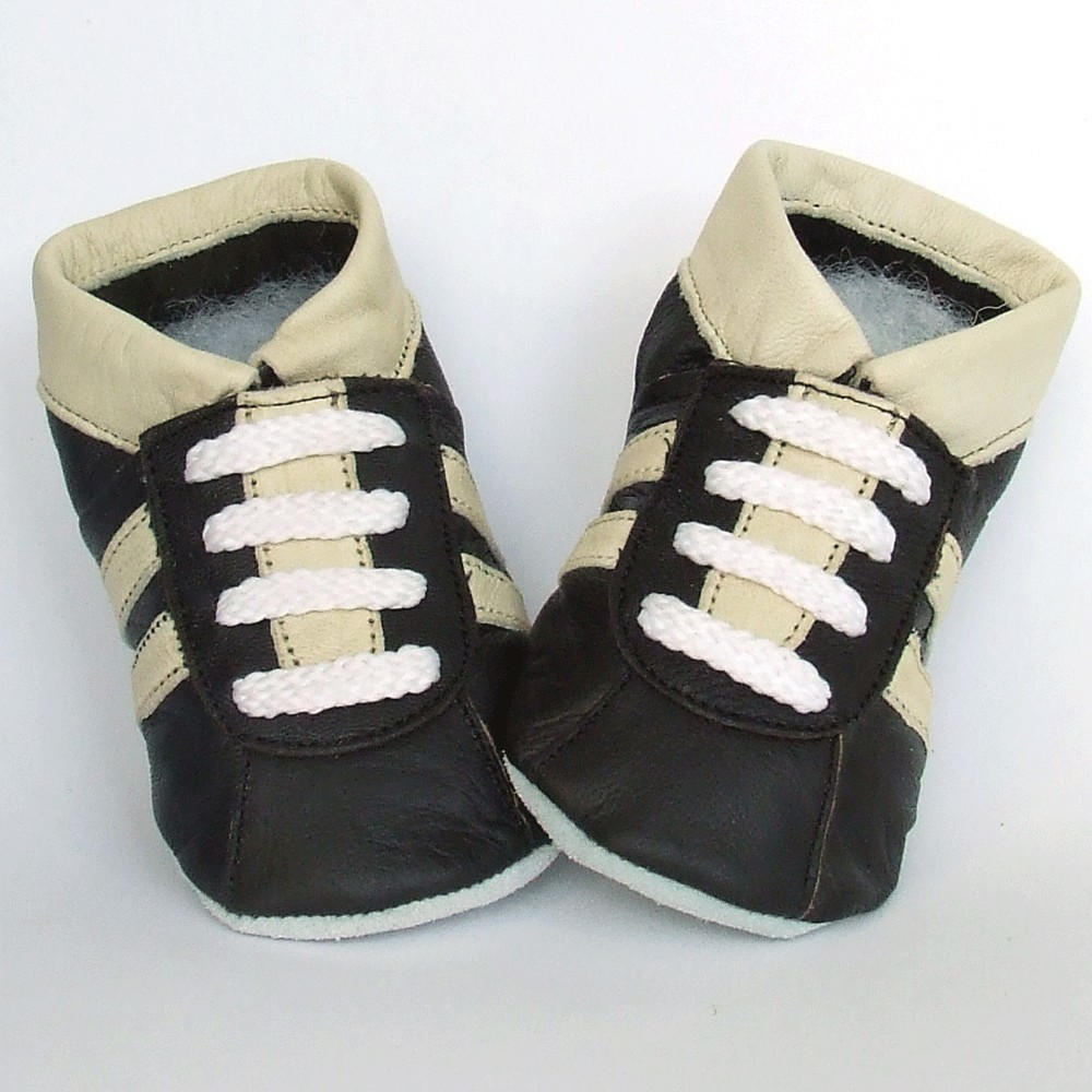 Babyslofjes Sneaker Chocolate Cream € 15,99