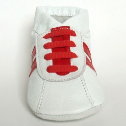 Babyslofjes Sneaker White Red € 15,99