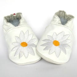 Babyslofjes Big Flower White € 16,49